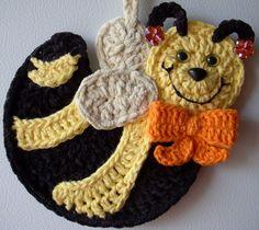 Crochet honey bee, by Jerre Lollman