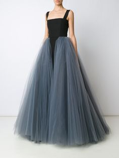 3c3b94b5ab7 Christian Siriano layered tule gown Кристиан Сириано