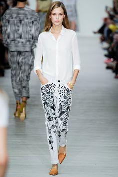Matthew Williamson Spring 2014 RTW. black and white. floral. print pants. collared button down. #MatthewWilliamson #Spring2014 #LFW