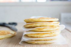 How to Freeze and Reheat Pancakes Freeze Pancakes, How To Make Pancakes, Pancakes And Waffles, Banana Pancakes, Banana Bread, Beer Bread, Cottage Pie, Living At Home, Young Living