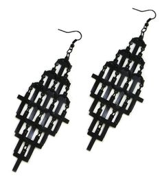 Domino Dollhouse - Plus Size Clothing: Crossed Earrings