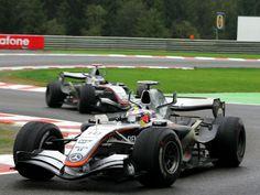 Juan Pablo Montoya followed by Kimi Raikkonen - Belgium (2005)