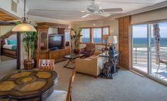 Master Suite at Pacific Terrace Hotel, California
