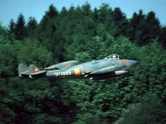 De Havilland Vampire, Swiss Air, Old Planes, Aviation Art, Venom, Military Aircraft, Airplanes, Air Force, Fighter Jets