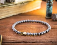 4mm - bracelet extensible en perles hématite à facettes gris avec des perles cube or, bracelet en perles gris pour homme, bracelet de pierres précieuses, minimaliste