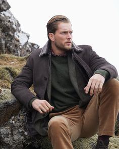 Warm Up This Winter with Outerwear & Sweaters from Brooks Brothers Sweater Shop, Men Sweater, Casual Clothes, Casual Outfits, Preppy Winter, Staple Pieces, Modern Man, Men's Collection, Brooks Brothers