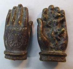 "1 1/4"" Bronze Metal Thailand 3D Buddha Hand Buddhist Monkey Amulet Pendant Charm"