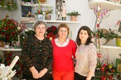 Noi, fetele de la www.floriiniasi.ro