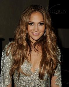 Jennifer Lopez Neutral Eyeshadow - Jennifer Lopez is known for her bronzed, sun-kissed glow. She attended the Latin Grammy Awards rockin' her signature look, which was the perfect complement to her honey-blond tresses. Curly Full Lace Wig, Long Curly, Jennifer Lopez Hair Color, Golden Brown Hair, Glow, Style Casual, Casual Wear, Brunette Hair, 100 Human Hair