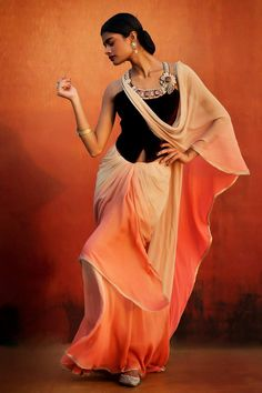 Outfit by:Tarun Tahiliani India Fashion, Ethnic Fashion, Asian Fashion, Fashion Beauty, Couture Fashion, High Fashion, Indian Bridal Wear, Indian Wear, Indian Style