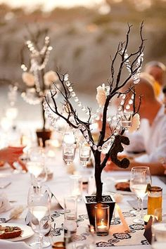 Glitz and glam table centrepieces