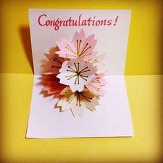 【aiueo.iroha1010】さんのInstagramをピンしています。 《満開の桜のポップアップカード 【 Congratulations! 】 . 受験生のみなさんに春が来ますように… ╰(*´︶`*)╯♡ . #桜 #ポップアップカード #合格 #congratulations #cherryblossoms #paperart #calligraphy》