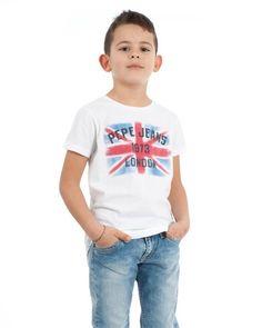 Qué estilo y qué camiseta Pepe Jeans tan chula :)