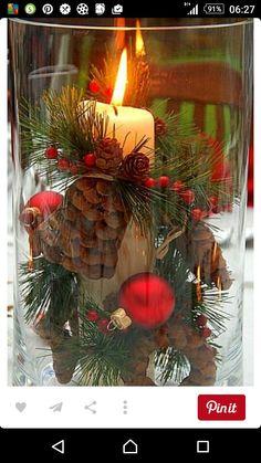 Kerststuk in grote vaas