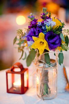 Vintage wedding flowers (photo: Joie du Jour Photography)