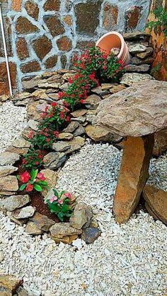 63 Beautiful Front Yard Rock Garden Landscaping Ideas - Page 45 of 64 Garden Yard Ideas, Garden Crafts, Diy Garden Decor, Garden Projects, Garden Art, Garden Posts, Backyard Ideas, Landscaping With Rocks, Front Yard Landscaping