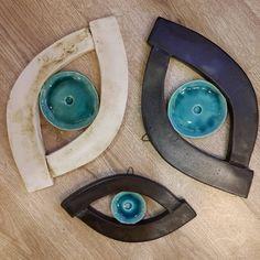 Seramik gözler. ❤ Küçüğü 45, büyüğü 90 TL. #elyapimi #seramik #goz #nazarlik #handmade #ceramic #eye #amulet #izmir Book Crafts, Clay Crafts, Diy And Crafts, Arts And Crafts, Arabian Art, Evil Eye Jewelry, Hand Of Fatima, Ceramics Projects, Air Dry Clay