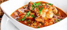 Dacă nu aveți timp să stați ore în șir în bucătărie, această rețetă o să vă placă. Puteți folosi orice bucăți de pui care le aveți la îndemână, iar berea îi conferă acestui sos un gust aparte memorabil. Simplu și gustos! Timp de preparare: 45 de minute Dificultate: Rețeta poate fi pregătită și de începători … More Nutella, Curry, Chicken, Meat, Pizza, Ethnic Recipes, Desserts, Food, Tailgate Desserts