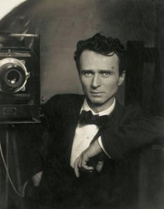 Edward Jean Steichen : American photographer, painter, art gallery/museum curator. Most frequently featured photographer in Alfred Stieglitz' groundbreaking magazine Camera Work 1903 to 1917. (b. Mar 27, 1879, Luxembourg d.Mar 25, 1973, CT,USA) wikipedia  ~ Repinned via Tony Zamora