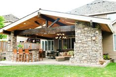 Seattle Traditional Home Outdoor Covered Patio Design, Pictures, Remodel, Decor