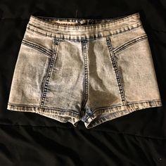 BULLHEAD High waisted hot shorts Light wash high waisted hot shorts. It's actually a size 1. But there is no size one option. Bullhead Shorts