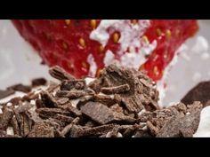 Milkshake iute de ciocolată - YouTube Deserts, Cooking Recipes, Meat, Youtube, Food, Chef Recipes, Essen, Postres, Dessert