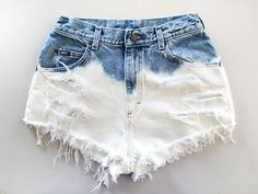 How to Bleach Shorts. Denim bleaching is a great way to customize your style, while saving money on the newest fashions. With just a few household materials, you can create an ombre, bleached, or a light denim look for your shorts or. Dip Dye Shorts, Diy Shorts, Festival Chic, Diy Clothes, Clothes For Women, Ripped Jeggings, Bleached Jeans, Trendy Swimwear, Favim