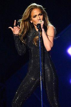 Jennifer Lopez: Με δημιουργία VRETTOS VRETTAKOS στα Billboard!