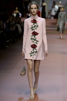 Trend: Florale Appliqués auf Kleidern | POPSUGAR Fashion Germany