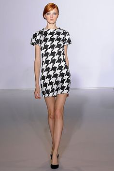 Preen by Thornton Bregazzi Fall 2009 Ready-to-Wear Collection Slideshow on Style.com