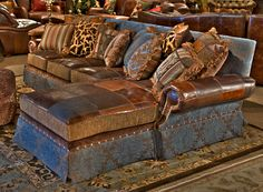 Western themed sofa, different angle Purple please Cowhide Furniture, Western Furniture, Rustic Furniture, Cabin Furniture, Leather Furniture, Furniture Design, Southwestern Decorating, Southwest Decor, Tuscan Decorating