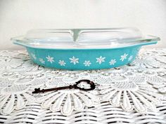 Vintage Pyrex: Turquoise Snowflake Divided by ThriftStoreAddiction