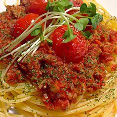生トマトたっぷりの甘くない大人のミートソースって感じ  美味しかったよ - 29件のもぐもぐ - 旦那作 超トマトミートソース by Demisuke