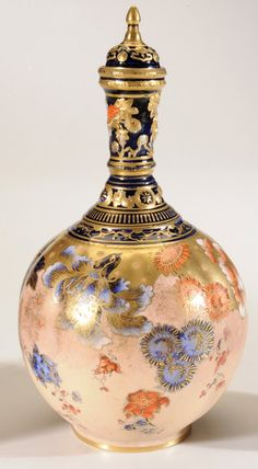 Royal Crown Derby Imari pattern gilt-decorated covered tea canister