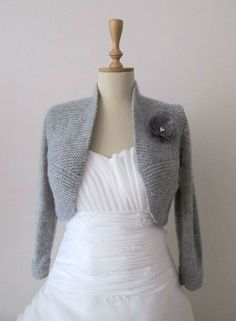 Grey Wedding Bolero Bridal Shrug Plus Size von crochetbutterfly Crochet Pullover Pattern, Knit Shrug, Shrug Sweater, Sweater Jacket, Hand Knitted Sweaters, Knitted Shawls, Vintage Knitting, Hand Knitting, Bridal Bolero