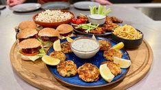 Mini Hamburgers, Buffalo Wings, High Tea, Ketchup, Tacos, Chips, Appetizers, Mexican, Plates