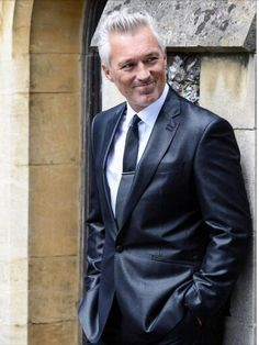 Special guest: However, this time round, the stars of the popular TV show were joined on set by a handsome new addition, Spandau Ballet's Martin Kemp Lesley Joseph, Pauline Quirke, Martin Kemp, Evolution Of Fashion, 50 Fashion, Male Fashion, Best Model, Special Guest, Bird Feathers