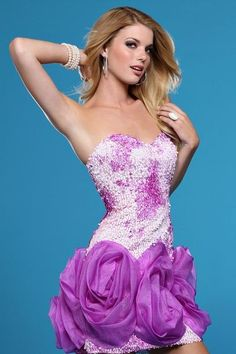 """this is advertised as a """"prom dress""""  it should not be"""