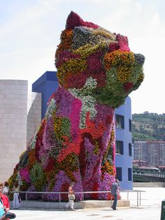 35' tall planted sculpture by Jeff Koons