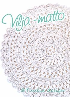 Tuulia desing - Soma pitsikuvioinen pyöreä matto, joka on halkaisijaltaan noin… Crochet Placemats, Crochet Carpet, Drops Design, Fun Projects, Crochet Hats, Pillows, Knitting, Diy, Towels