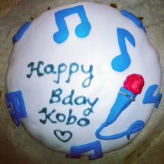 Music cake! Normal school day chocolate cake.