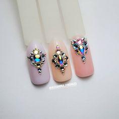 Nail Drawing, Gorgeous Nails, Nail Manicure, Nail Inspo, Short Nails, Nail Arts, Roxy, Nail Ideas, Swarovski Crystals