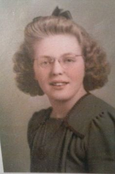 Marian Elizabeth Adams Spinks -  Age 18 - 1941