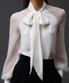 - Blouse - Camisa branca com transparência White shirt with transparency Business Outfits, Business Attire, Corporate Attire Women, Classy Outfits, Casual Outfits, Work Fashion, Fashion Design, Looks Chic, Work Attire