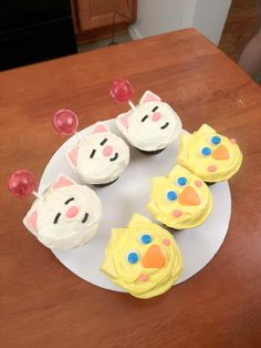 Moogle and Chocobo Cupcakes yay!