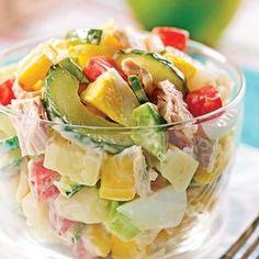 Tuna Salad with Mango – Weekend Suppers – Recipes – Express Recipes – Pratico Pratique Source Seafood Soup Recipes, Salad Recipes, Dinner Recipes, Mango Salat, Cooking Recipes, Healthy Recipes, Recipe Mix, How To Cook Quinoa, Summer Recipes