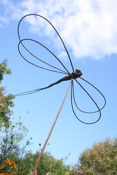 Dragonfly project included in book: Willow Craft 10 Simple Projects