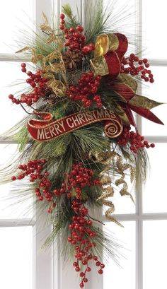 Beautiful Christmas Wreaths for Front Door. The main Christmas decorations that each of us never forgets to put during the holidays is the Christmas tree Merry Christmas Sign, Noel Christmas, Christmas Projects, Winter Christmas, Christmas Berries, Front Door Christmas Decorations, Christmas Swags, Holiday Wreaths, Christmas Ornaments