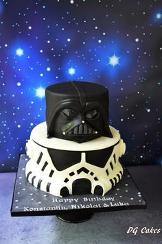 Darth Vader and stormtrooper - Star Wars Cake - Ideas of Star Wars Cake - Star wars cake! Darth Vader and stormtrooper Star Wars Cake Toppers, Star Wars Cupcakes, Bd Star Wars, Star Wars Party, Star Wars Birthday Cake, Baking Party, Cakes For Boys, Cakes And More, Cake Designs