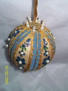 VINTAGE VICTORIAN VELVET FILGREE BEAD SEQUIN HAND MADE XMAS ORNAMENT BLUE &GOLD